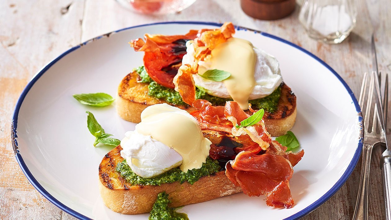 Roma Eggs Benedict – Recipe