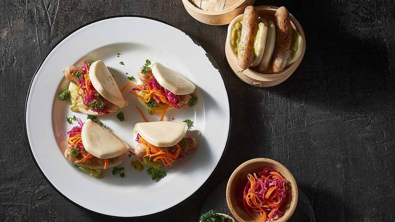 Hot Dog Bao with Green Curry Sauce – Recipe