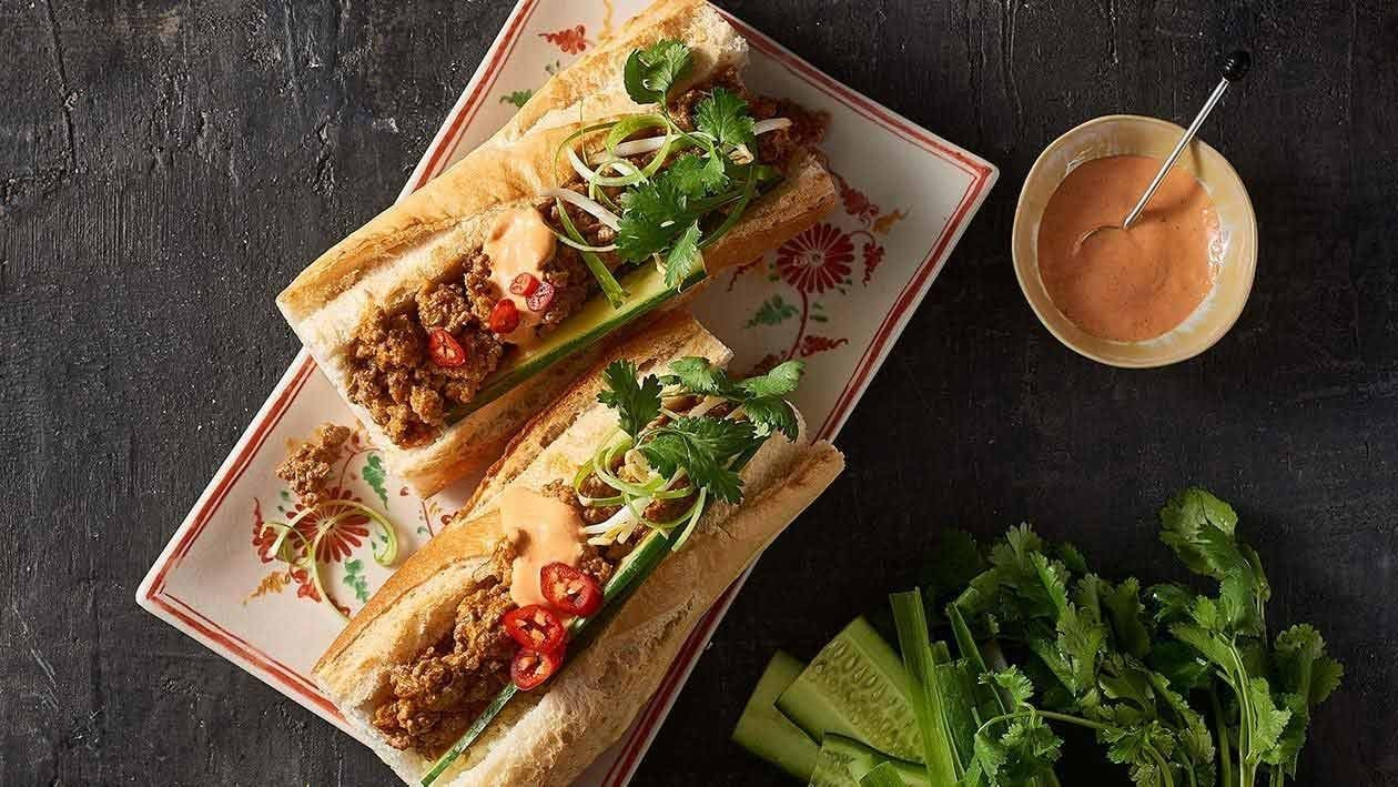 Red Curry Banh Mi – Recipe